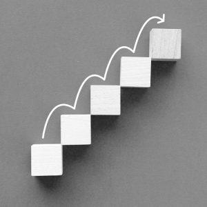 8 askelta kasvuhakkerointiin